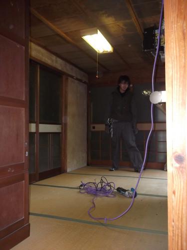 隣接の部屋です。 写真に写っているのは、イケメンの電気屋さんです。 彼女募集中です。