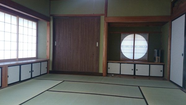 もう一つの和室に収納を造りました。