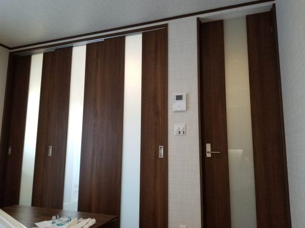 リビングと和室を仕切る建具はハイドアで開放すると1部屋になります。
